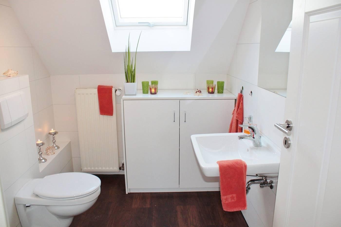 Wie man einen Toilettenraum schalldicht macht   20 Schritt für ...